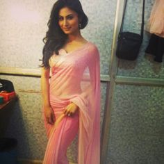 Mouni Roy (Television Actress) Profile with Bio, Photos and Videos - Onenov.in
