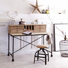 Office desk in pine - Pine office desk at Tikamoon Wood Office Desk, Wood Desk, Home Office Furniture, Office Decor, Pine Desk, Marble Desk, Bunk Beds Built In, Small Home Offices, Design Industrial