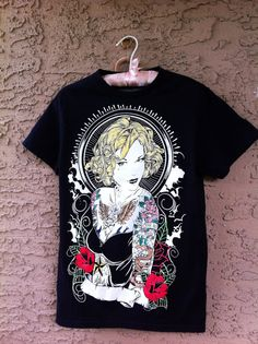Mens black T-shirt with a beautiful woman on it Blonde Hair With Red Flowers