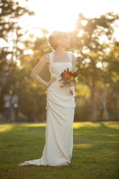 vintage inspired wedding dress. photo by blueberryfusion.com