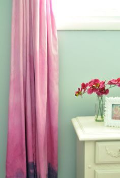How to Ombre dye drapes    I would like to do this with a true beige linen drape and ombre a soft pink at the bottom. I wonder if that would turn out.