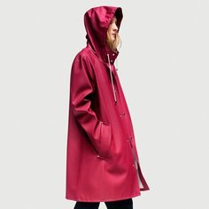 It all started with an old, yet stunningly cool, raincoatAlexander Stutterheim discovered in his grandfather's barn on Arholma, an island in the Stockholm archipelago. After instantly falling in love with the practicality and sleekness of the coat, he found the right craftsmen andseamstresses to