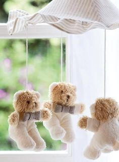 teddy bear mobile - most cutest thing ever! Knitted Teddy Bear, Teddy Bear Toys, Teddy Bears, Baby Boy Rooms, Baby Boy Nurseries, Baby Room, Nursery Boy, Teddy Bear Nursery, Bear Theme