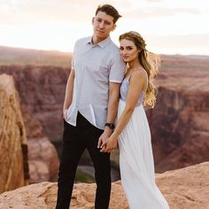 Your Jubilee: Engagement Photo  #yourjubilee #theyjlife #Yjwedding #arizonawedding #engagementphotos #arizonaengagement #fairytalewedding #azbride #horseshoebend