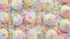 Fuel Your Rainbow Obsession With These Unicorn-Poop Meringues: Unicorn-poop meringue cookies are about to become your newest obsession. Unicorn Poop Cookies, How To Make Meringue, Unicorn Foods, Cookie Videos, Tasty Videos, Meringue Cookies, Meringue Kisses, Popsugar Food, Rainbow Food