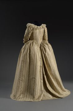 Robe a l'anglaise ca. 1775-80  From theMusee du Costume et de la Dentelle
