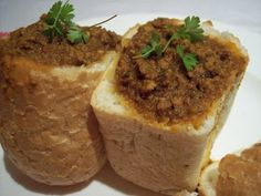 Durban-style Mince and Bean Bunny Chow South African Bunny Chow, South African Dishes, South African Recipes, Ethnic Recipes, Bean Bunny, Meat Recipes, Cooking Recipes, Baby Bunnies, Eat Right