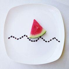 Arte con comida en platos, por Hong Yi