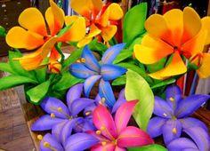 Hasta hace 40 años la única flor tropical, uno podría encontrar en cualquier tienda de flores en los EE.UU. -, aparte de Hawai - fue el Ave del Paraíso. En algún momento en 1972, más flores y más de los trópicos encontrado su camino en un pequeño número de tiendas de flores ubicados en el área de la aldea de la ciudad de Nueva York