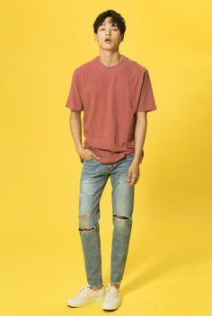 dedicated to agency garten's models. Korean Fashion Men, Big Men Fashion, Dope Fashion, Korean Street Fashion, Asian Fashion, Minimal Fashion, Athleisure Fashion, Streetwear Fashion, Casual Outfits