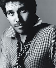 Rob James Collier (Thomas Barrow, Downton Abbey). hellllllooooooooooo