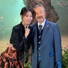 """stop I'm crying lots IU just posted pics with manager Noh and also a throwback of Lee Soon Shin when he played as her dad 7 years ago makes me think about when he said ""you were my sister, my daughter, my granddaughter"" to Jang Man Wol 🥺😭😭😭😭😭"" Netflix, Hollywood, Arts Award, Pretty Men, Drama Movies, Korean Singer, Korean Drama, I Movie, Korean Girl"