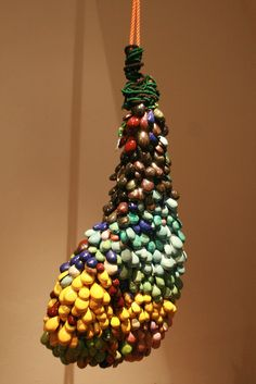 Leeuwarden - Keramiekmuseum. Anama Ponce Vazquez (1977) - 'Jamon' - 2008. Foto: G.J. Koppenaal - 19/2/2015