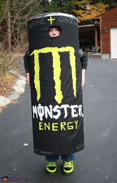 That takes HALOOWEEN MONSTERS TO A WHOLE NEW LEVEL! Monster Energy - Homemade Halloween Costume