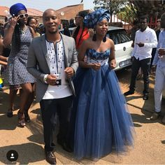 the best couples shweshwe dresses for 2018 - Reny styles Setswana Traditional Dresses, Zulu Traditional Attire, African Traditional Wear, African Traditional Wedding Dress, Traditional Wedding Attire, African Wedding Theme, African Wedding Attire, African Attire, African Bridal Dress