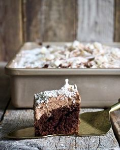 One pot wonder - lettvint gryterett - Mat På Bordet One Pot Wonders, Samosas, Dessert Recipes, Desserts, Frittata, Let Them Eat Cake, Chocolate Cake, Nom Nom, Bacon