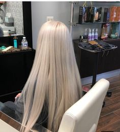 White Blonde Hair, Light Blonde Hair, Blonde Color, Hair Inspo, Hair Inspiration, Platinum Hair Color, Dye My Hair, Cute Hairstyles, Hair Goals
