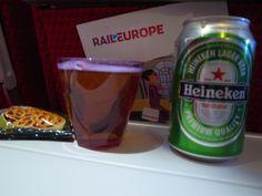Virgin atlantinc にてNaritaからLondonへ。高鳴る期待を胸に、まずは乾杯。