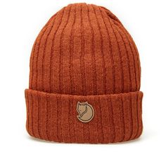 Famed for their back to basics approach, Swedish outdoor outfitters Fjällräven have been producing functional pieces since the early 60's. The Byron Hat is constructed from 100% wool in a thick ribbed knit design, finished with leather branded patch and small Swedish flag tab.  100% Wool Thick Rib Knit Leather Branded Patch Swedish Flag Tab