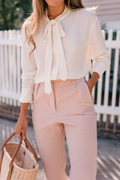 The Perfect Pink Workwear Pants - Gal Meets Glam - Summer Work Outfits Summer Work Outfits, Casual Work Outfits, Business Casual Outfits, Work Attire, Classy Outfits, Business Attire, Chic Outfits, Sunday Outfits, Woman Outfits