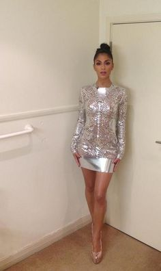 British X Factor's Nicole Scherzinger wearing dress and shoes by Inbar Spector - sooo sparkly! Nicole Scherzinger, Maxi Styles, Cute Skirts, Mini Skirts, Classic Outfits, Tight Dresses, Gossip Girl, Fashion Outfits, Womens Fashion