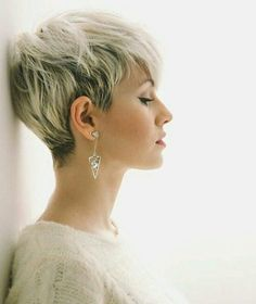 35 Pretty Pixie Haircuts for Thick Hair in 2019 - With Hairstyle
