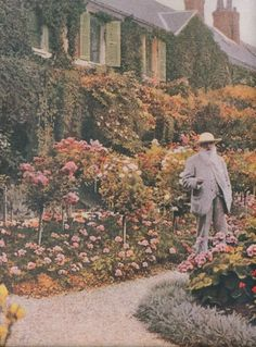 paisleyfacevintage:  Claude Monet in Giverny