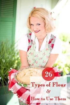 26 Types of Flour and How to Use Them Different types of flour and how to use them -both wheat and GF. Learn the differences in 26 types of flour and when (or when not) to use them. No Flour Cookies, Cake Flour, Graham Flour, Buttermilk Bread, Gift Box Cakes, Streusel Coffee Cake, Potato Flour, Unbleached Flour, Oatmeal Bread