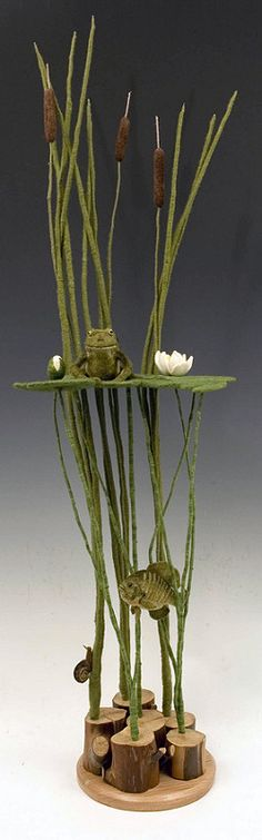 """Frog's Pond"" textile sculpture by Martina Celerin. This is stunning and serves as an inspiration as a set design for puppetry. Needle Felted Animals, Felt Animals, Water Animals, Wet Felting, Needle Felting, Felt Crafts, Diy Crafts, Art Textile, Arte Floral"