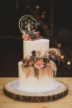 Barn Wedding Cakes, Unusual Wedding Cakes, Mini Wedding Cakes, Wedding Cake Stands, Elegant Wedding Cakes, Beautiful Wedding Cakes, Wedding Cake Designs, Wedding Cake Toppers, Beautiful Cakes