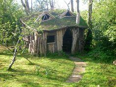 Fairytale House, Sheffield, England  photo via morgon