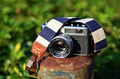 Blue Camera Strap suits for DSLR / SLR with Quick Release Buckles