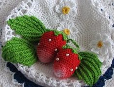 Strawberry crochet tutorial