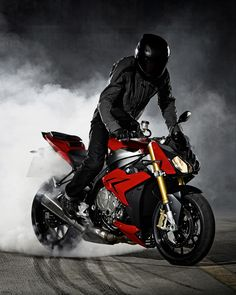 The BMW S 1000 R