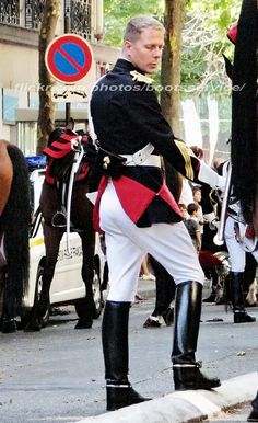 Mens High Boots, Black Boots, Tall Boots, Hot Hunks, Men In Uniform, Traditional Dresses, Mens Suits, Pretty Boys, Leather Boots