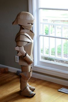 Warren King created a fantastical knight's armor completely out of cardboard. How did he make this cardboard costume DIY? Cardboard Costume, Cardboard Mask, Cardboard Sculpture, Cardboard Crafts, Cardboard Playhouse, Cardboard Furniture, Robot Costumes, Diy Costumes, Halloween Costumes