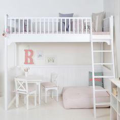 I've just found White Scandinavian Loft Bed. Classic white loft bed in traditional Scandinavian design - made in Denmark. Modern Bunk Beds, Cool Bunk Beds, Kids Bunk Beds, Loft Beds, Scandinavian Bunk Beds, Scandinavian Design, Girls Bedroom, Bedroom Ideas, Bedroom Bed