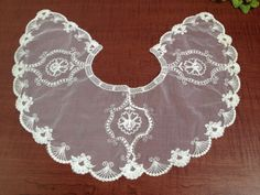 Vintage Netted Lace Women's Collar  netted lace collar by kchoos
