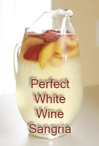 The Perfect White Wine Sangria (Peach and Strawberry) at MamaMommyMom.com