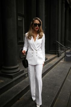 Spring Must-Have: The White Linen Suit | MEMORANDUM | NYC Fashion & Lifestyle Blog for the Working Girl