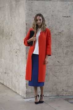 Color combo, perfect length of coat and skirt. Very classy yet laid back