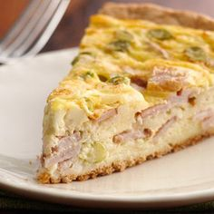 Easy Cheese and Bacon Quiche #mothersday #brunch #easy #breakfast