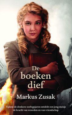 De boekendief - Markus Zusak - The House of Books. Midprice. Duitsland, 1939. Liesel is pas 9 als ze naar een pleeggezin gaat. Een van haar geliefde bezittingen is een boekje dat ze vond op het graf van haar broertje. Terwijl ze bij de Hubermanns woont, wordt ze een gewiekste boekendief. Tijdens bombardementen klampt ze zich in de schuilkelder vast aan haar schatten. Een verhaal over moed, vriendschap, verdriet, liefde en overleven, verteld door de ogen van de Dood. Maar zal hij haar ook…