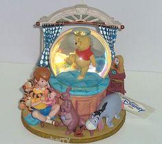 Disney Store Winnie Pooh Musical Snowglobe Tigger Eeyore Roo Christopher Robin