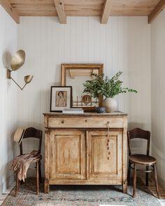 Piano Room, Amber Interiors, Living Spaces, Living Room, Piece A Vivre, Vintage Pillows, Interiores Design, Home Decor Inspiration, Decoration