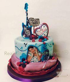 Violetta+-+Cake+by+Donatella+Bussacchetti