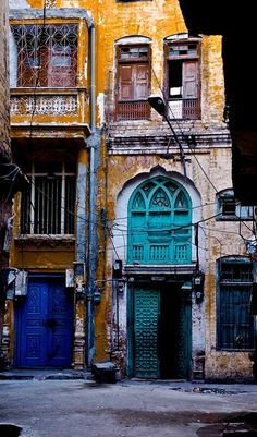 Streets of Pakistan - Colours of the inner city by ShaukatNiazi, via Flickr