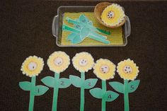 Counting Seeds - Children match stem numbers with flower head seed count.
