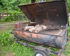 Barbecue competitors know all about building a DIY Barrel Smoker. Smokers can be built from many different humble beginnings. These cookers are meant Barrel Stove, Barrel Grill, Diy Smoker, Homemade Smoker, Barbecue Smoker, Outdoor Oven, Outdoor Cooking, Outdoor Kitchens, Lake District
