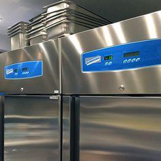 """I due armadi frigo Zambon 07 che """"rinforzano"""" il laboratorio della gelateria Eiscafé Pinocchio di Voltolini."""